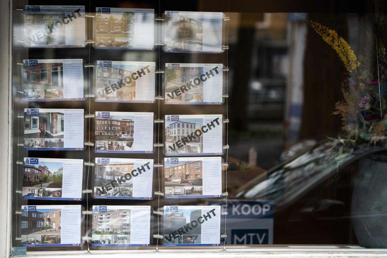 In een jaar tijd zijn de huizenprijzen met bijna 15 procent gestegen.