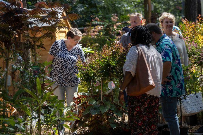 Er kwamen dit jaar aanzienlijk minder mensen naar groenevenement Bloem & Tuin in Nuenen maar bij zowel bezoekers als standhouders overheerst een tevreden gevoel.