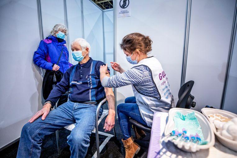 Afgelopen week werden minder nieuwe patiënten van hoge leeftijd in het ziekenhuis binnengebracht. Beeld Raymond Rutting / de Volkskrant