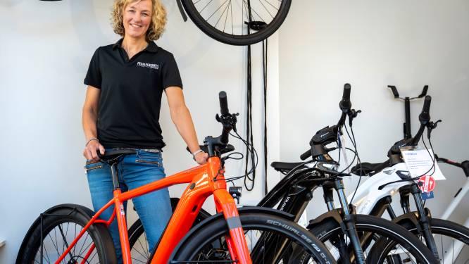 Voormalig profwielrenster Chantal keert terug tussen de fietsen: 'Hier word ik heel blij van'