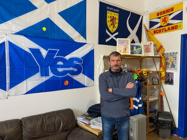 Activist Roy Mackie: 'Alleen met een referendum kunnen we de Engelsen echt onder druk zetten.' Beeld Tim de Wit