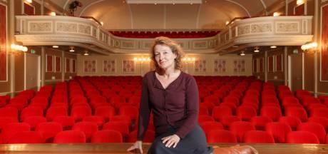 Kaastra verruilt theater in Meppel voor het Franse platteland