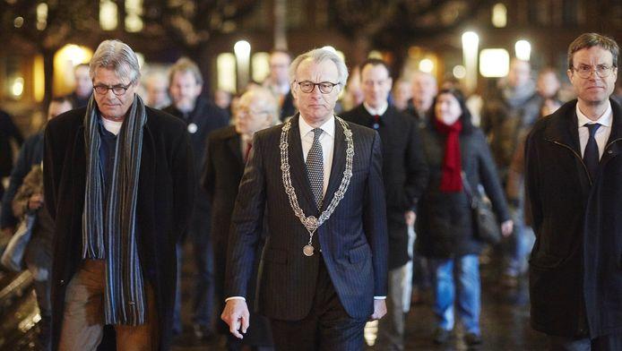 De Haagse burgemeester deed 8 januari mee aan de herdenking van de slachtoffers die vielen bij de aanslag op de redactie van Charlie Hebdo in Parijs.