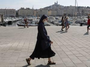 """La """"colère"""" monte à Marseille suite aux nouvelles restrictions: """"Un quasi-reconfinement"""""""