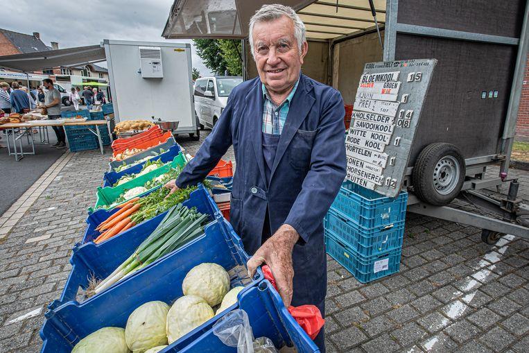 Voor Etienne Cool, in 1980 medestichter van de boerenmarkt, komt een einde aan een bijzonder lange traditie. Etienne staat morgen voor het laatst op de markt.