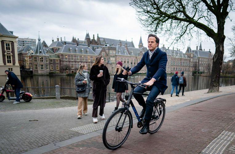 Een van de verdachten zou een aanslag willen plegen als demissionair premier Mark Rutte op de fiets naar het Binnenhof gaat.  Beeld ANP