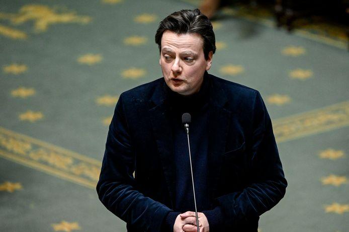 """""""Vous êtes un homme maltraité par vos partenaires, et je dis cela avec une certaine empathie"""", a ironisé François De Smet (photo) à l'adresse du Premier ministre Alexander De Croo (Open Vld)."""