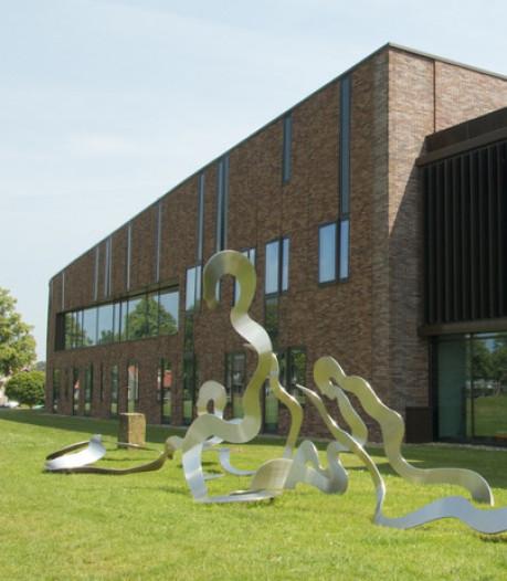 Fotoclub Dalfsen viert zestigjarig bestaan met jubileumexpositie in Dalfser gemeentehuis