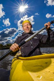Peter beleeft de hel van '21 tijdens Elfstedentocht per kano: 'Soms is het echt op het randje qua gevaar'
