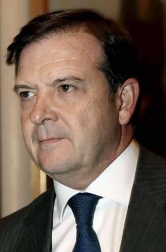 Alberto Saiz, de plus en plus mollement soutenu par le gouvernement, avait dû comparaître à deux reprises devant les députés pour s'expliquer.