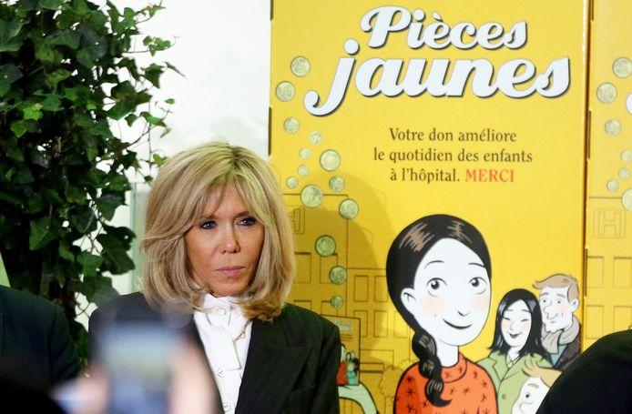 """Brigitte Macron, présidente de la Fondation Hôpitaux de Paris-Hôpitaux de France, lors du lancement de la 31e édition de l'opération """"Pièces jaunes"""" à Orléans le 8 janvier 2020."""