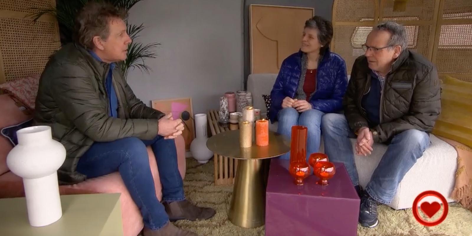 Robert ten Brink verrast de ouders van Nicole