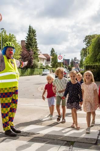 """Verkeersclown Fieto stopt meteen na vrijspraak van bestuurster: """"Als de kinderen al niet meer beschermd worden, houdt het voor mij op"""""""