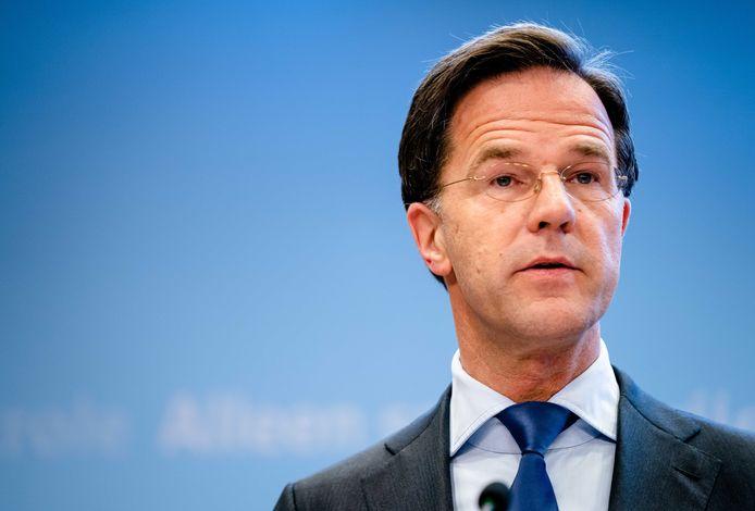 Premier Rutte tijdens een persconferentie.