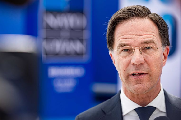 Mark Rutte sloeg zich vanaf zijn aantreden in 2010 op de borst met het voornemen om Haagse ambtenarentorens leeg te maken. Daar is niets van terechtgekomen. Beeld ANP