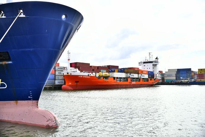 Port of Moerdijk is de vierde grootste zeehaven van Nederland.