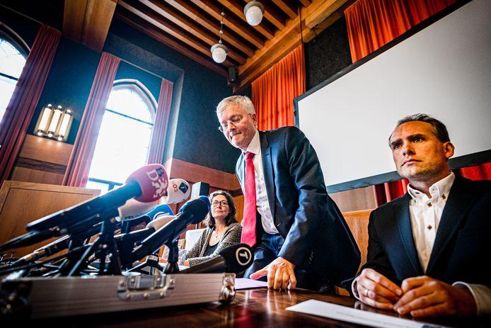 De persconferentie in Tilburg.