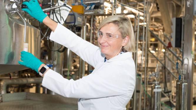 """""""Van aardappelschil tot duurzame plasticfolie"""": minister Crevits kondigt miljoeneninvestering aan in Gentse pilootfabriek BBEP voor bio-economie"""