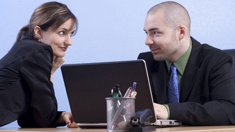 Vrouwen flirten haar Waarom Flirten Vrouwen -