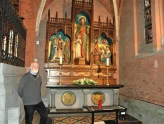 """Zijkapellen van de 'rode' Sint-Martinuskerk zijn hun witte muren kwijt: """"Ze lijken ruimer"""""""