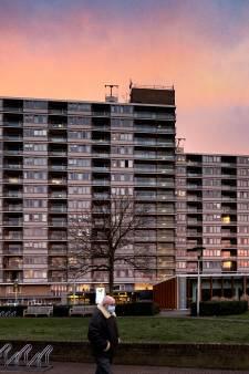 Tachtig bewoners Ameideflat in Helmond preventief getest wegens explosieve corona-uitbraak