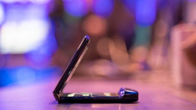 De comeback van de klaptelefoon nader bekeken: dit is de nieuwe Motorola Razr
