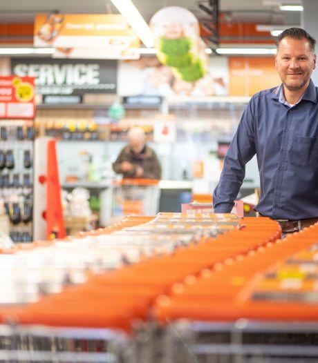 Léon Haanstra uit Den Ham zit het liefst 'met de kop in de vakken' van supers in Holten en Nijverdal