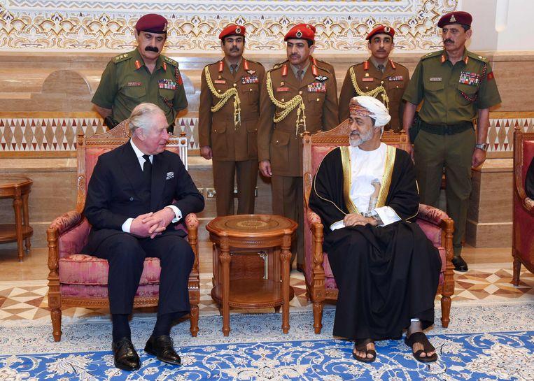 De Britse prins Charles biedt zijn condoleances aan.