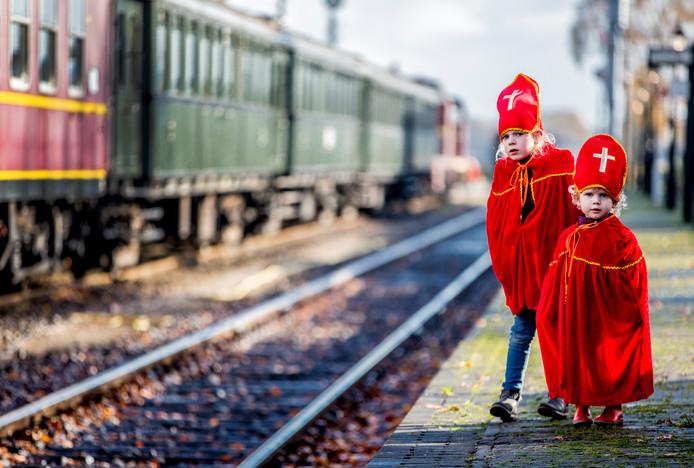 Zaterdagochtend volgt de Stentor het onthaal van Sinterklaas op de voet.