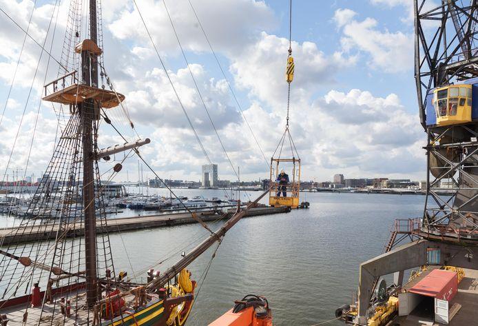 Het gerestaureerde VOC schip gaat vrijdag terug naar het Scheepvaartmuseum.