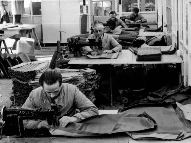 De meubelen uit deze oude fabriek in Woerden zouden we nu weer heel modern vinden