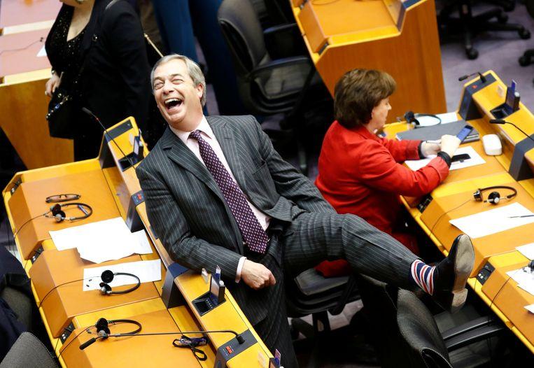 Nigel Farage, gewezen leider van de Brexit Party, exact een jaar geleden in het Europees Parlement. In de BBC-documentaire 'The Rise of the Murdoch Dynasty' geeft Farage toe: zonder Murdoch zou er geen brexit geweest zijn. Beeld REUTERS