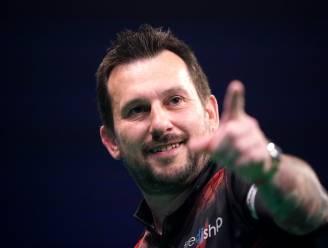 Indrukwekkende Jonny Clayton zet maatje Price met 5-1 opzij en wint World Grand Prix