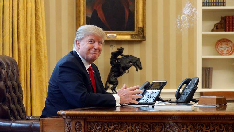 Donald Trump in The Oval Office in het Witte Huis. Beeld REUTERS