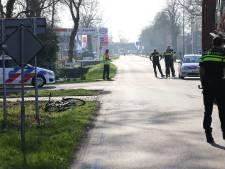 Fietser (12) geschept door vrachtwagen in Oldebroek: traumahelikoper geland