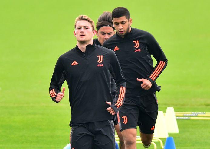 Matthijs de Ligt tijdens de training van Juventus. De verdediger is klaar voor zijn rentree.