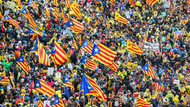 Twee weken geleden gingen duizenden mensen de straat op in Brussel om hun steun te betuigen aan Catalonië. Beeld epa