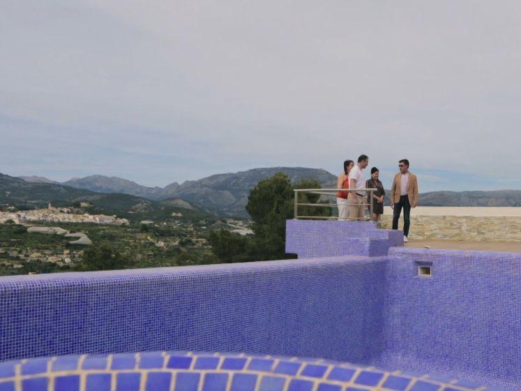 Christine en Patrick kunnen hun ogen niet geloven wanneer ze Spaanse villa met prachtig uitzicht bezoeken