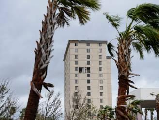 Vrouw valt ruim twintig verdiepingen naar beneden bij selfie op balkon