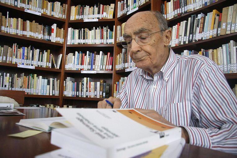 """Auteur en Nobelprijswinnaar José Saramago in 2009, niet lang voor zijn overlijden. """"We gaan van ramp naar ramp en we leren niet uit onze fouten"""