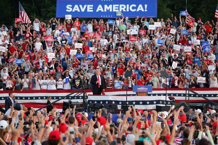 Beeld van de eerste campagnebijeenkomst van Trump in Ohio.
