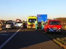 A50 hele avond en nacht afgesloten na zwaar ongeval bij Nistelrode: twee zwaargewonden