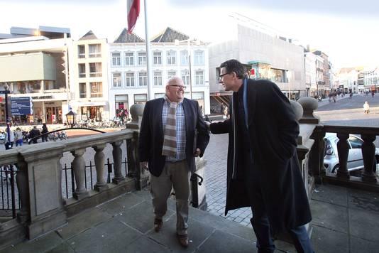 Ben Brands in 2012 in zijn Maasdonkse periode. Samen met collega-wethouder Rini van de Ven op het bordes van het Bossche stadhuis.