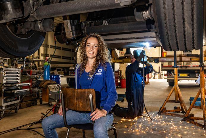 Renee Olsthoorn van Olsthoorn Truck & Trailer Service: ,,De jeugd heeft de toekomst, zeker in de techniek.''