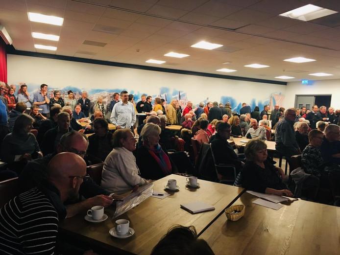 De presentatie van de concept dorpsvisie Burgh-Haamstede zorgde eerder dit jaar voor grote drukte.