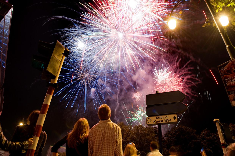 Vuurwerk in Brussel. Maar oudejaarsavond is niet voor iedereen een feest. Beeld Belga
