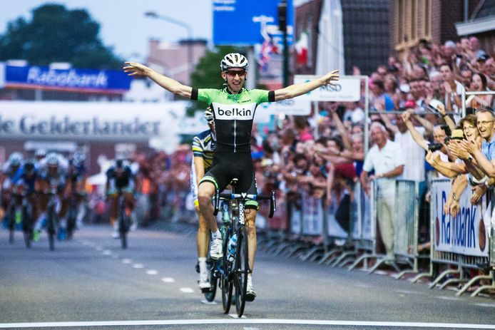 Bauke Mollema wint eerste criterium na Tour de France.