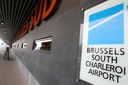 Eindhoven gaat de concurrentie aan met de luchthaven van Charleroi.