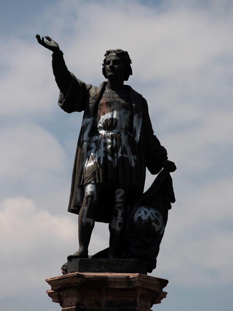 Het beeld van Columbus in Mexico-Stad. Beeld AP