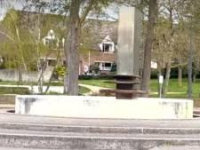 Internetkomiek Kakhiel bezocht Veenendaal: 'En toen hadden ze nog een fontein-ding'